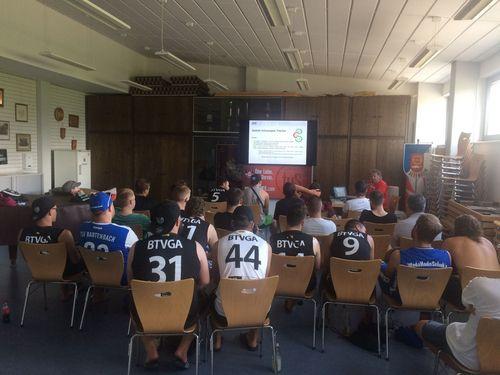 Beach-Handball Schiedsrichter-Schulung in Altenheim ein voller Erfolg